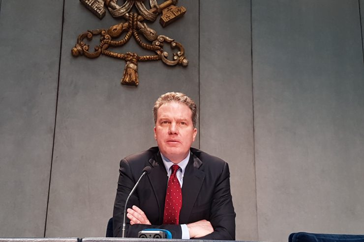 BREAKING: Greg Burke Denies Allegations by Cardinal Zen About Pope & Vatican's Treatment of China